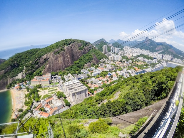 Vue depuis la colline de l'urca à rio de janeiro, brésil.