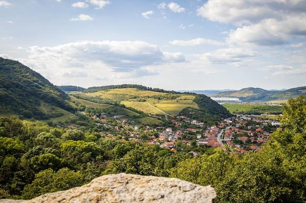 La vue depuis la forteresse de deva en roumanie