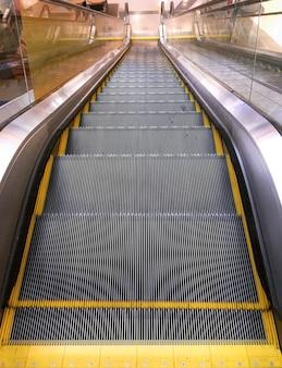 Vue depuis le haut de l'escalator