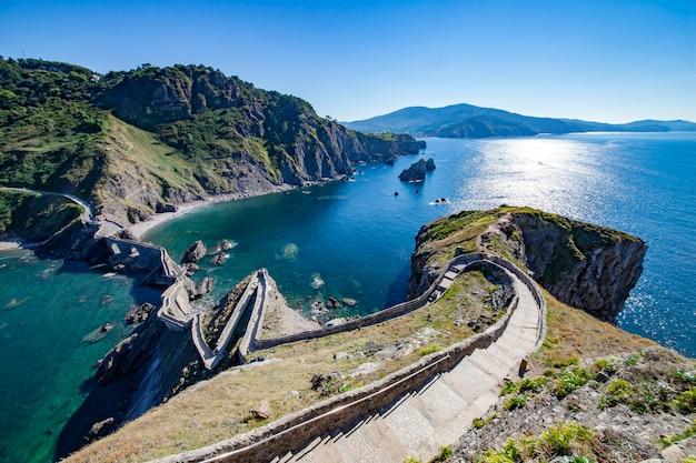 Vue depuis l'îlot de san juan de gaztelugatxe