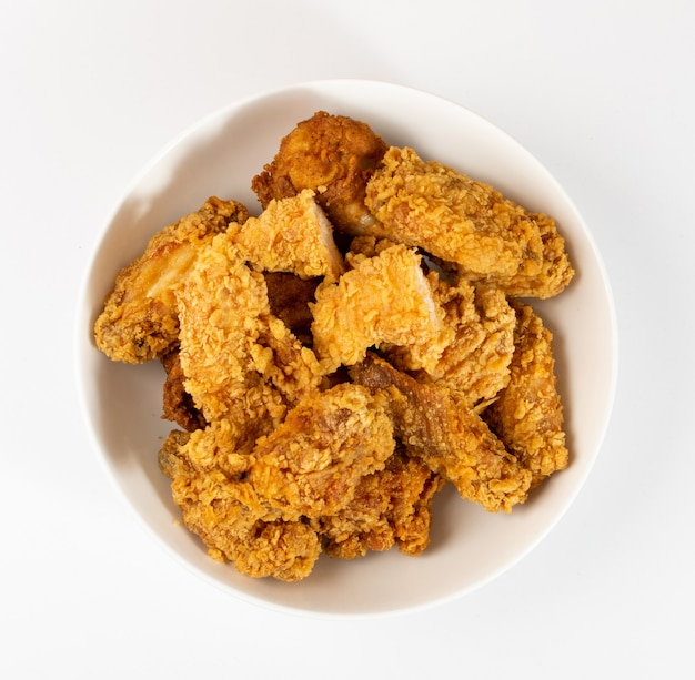Vue de dessus ailes de poulet frites panées