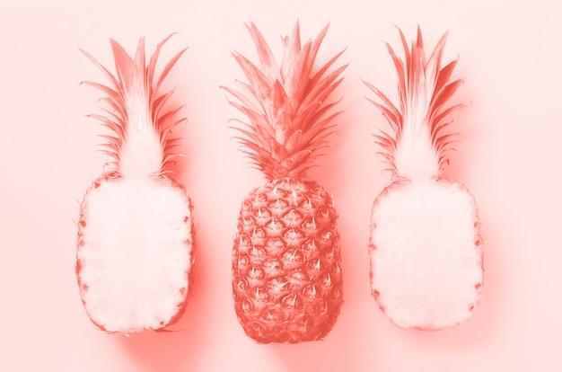 Vue de dessus d'ananas frais.