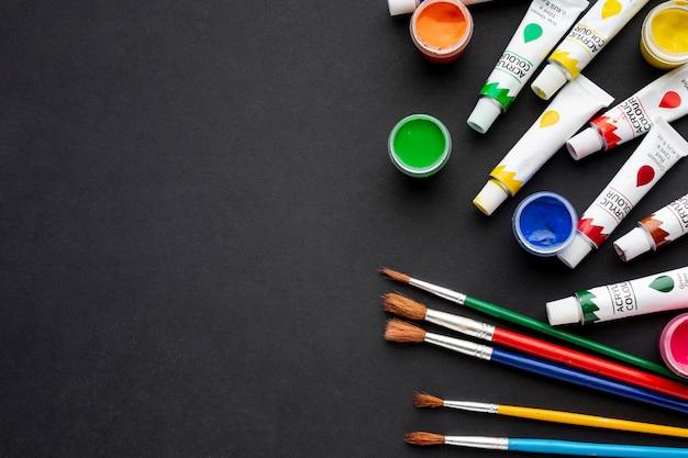 Vue de dessus de l'aquarelle colorée avec copie-espace
