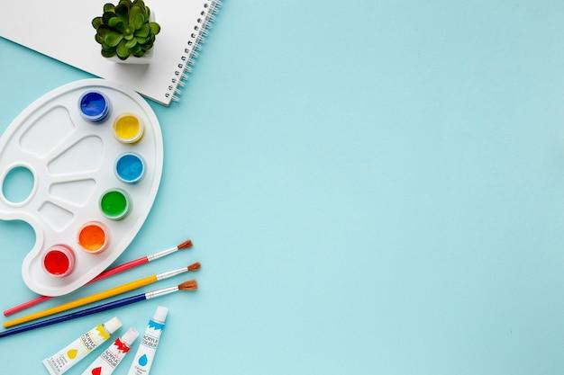 Vue de dessus de l'aquarelle colorée et de l'espace de copie