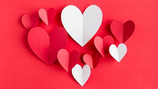 Vue de dessus de l'arrangement des coeurs avec espace copie