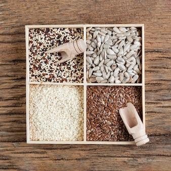 Vue de dessus arrangement créatif de graines