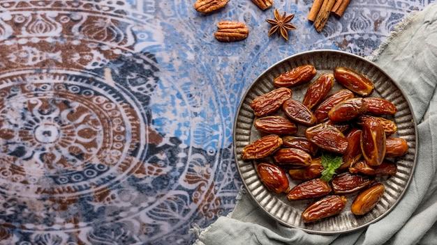 Vue de dessus arrangement de dates au pakistan
