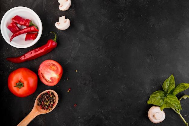 Vue de dessus arrangement de différents légumes avec espace copie