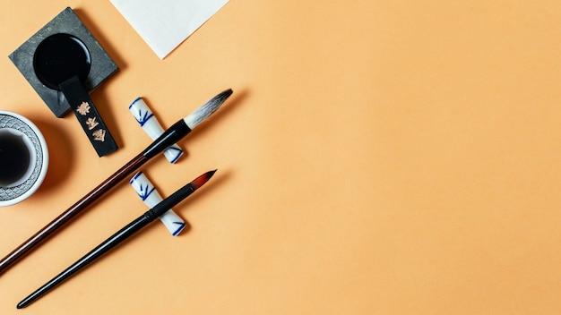 Vue de dessus arrangement d'encre chinoise avec espace de copie