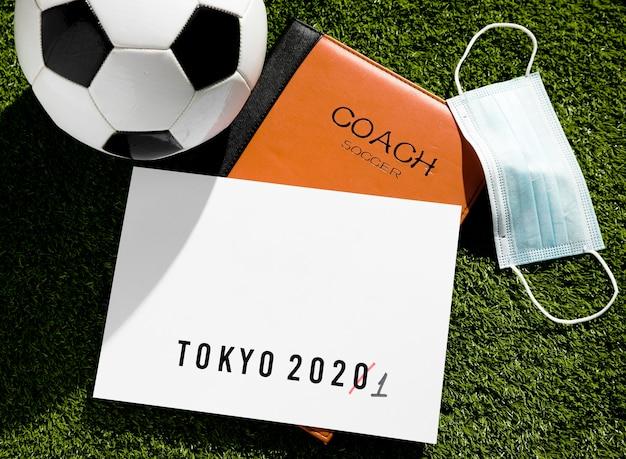 Vue de dessus arrangement de l'événement sportif de tokyo 2020 reporté