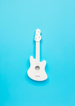 Vue de dessus arrangement de guitare blanche