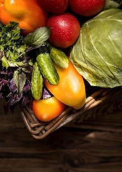 Vue de dessus arrangement de légumes d'automne