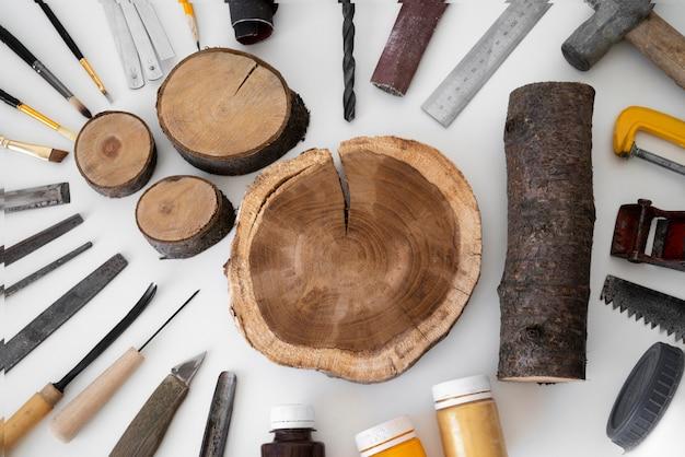 Vue de dessus arrangement d'objets d'artisanat en bois