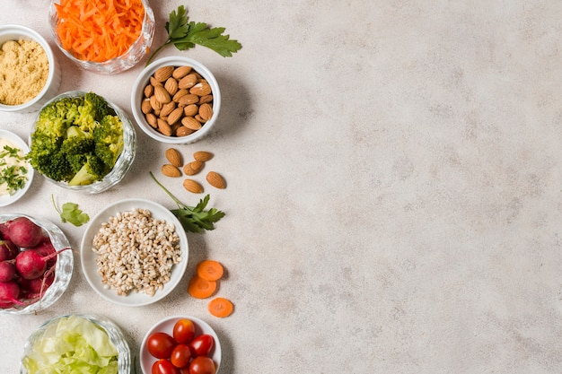 Vue de dessus de l'assortiment d'aliments sains