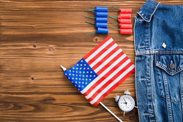 Vue de dessus des attributs de la fête de l'indépendance des états-unis