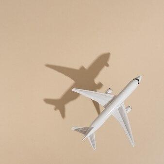 Vue de dessus de l'avion sur la couleur du sable