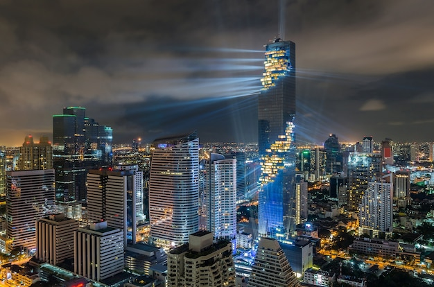 Vue de dessus de bangkok cityscape la nuit, mahanakhon