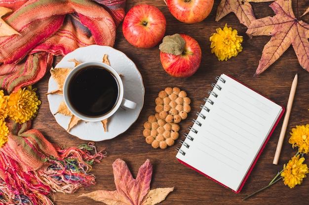 Vue de dessus belle composition d'automne
