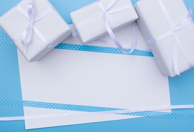 Vue de dessus de boîte cadeau avec espace de copie. fête