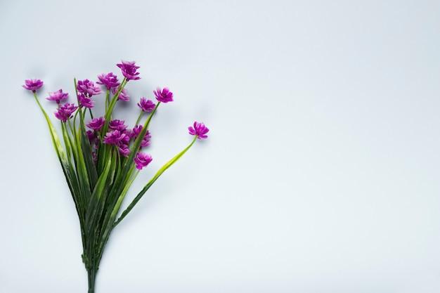 Vue de dessus bouquet de fleurs en fleurs