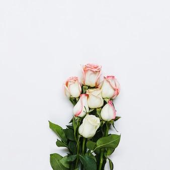 Vue de dessus bouquet de roses