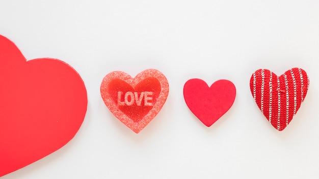 Vue de dessus des coeurs pour la saint valentin