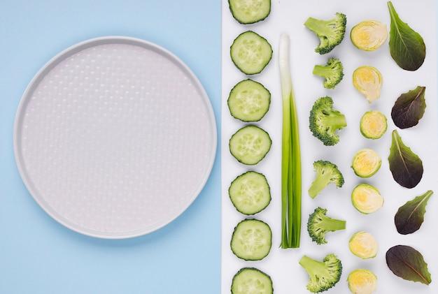 Vue de dessus collection de légumes sur la table
