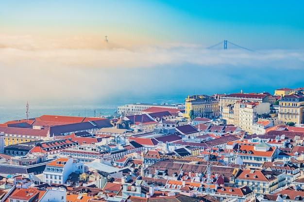 Vue de dessus colorée sur lisbonne, portugal.