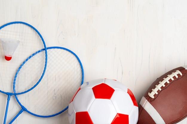 Vue de dessus de la composition des accessoires de sport