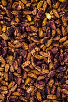 Une vue de dessus composition colorée de noix frites