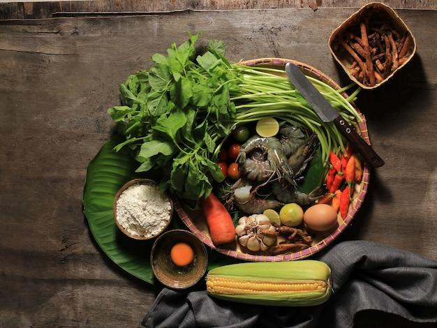 Vue de dessus composition cuisine familiale asiatique préparation ingrédients pour menu quotidien