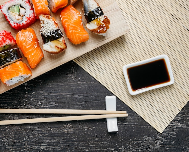 Vue de dessus composition de plat japonais traditionnel