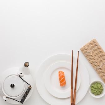 Vue de dessus concept de jour de sushi avec espace copie