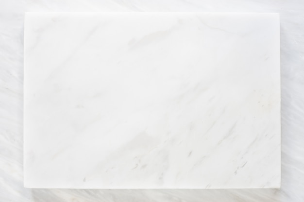 Vue de dessus de la couche de marbre blanc avec texture en marbre gris