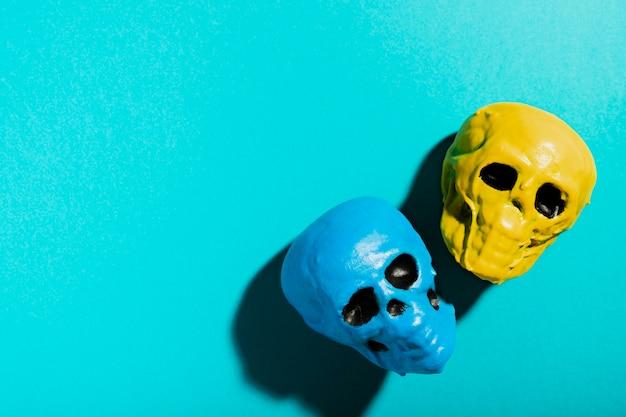Vue de dessus avec crânes et espace de copie