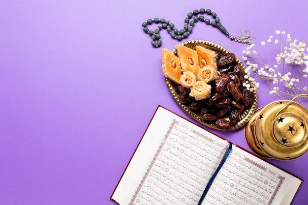 Vue de dessus la décoration traditionnelle de muharram
