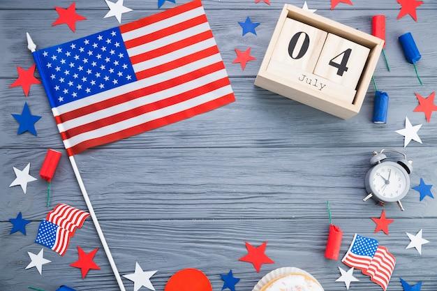 Vue de dessus des décorations de la fête de l'indépendance américaine