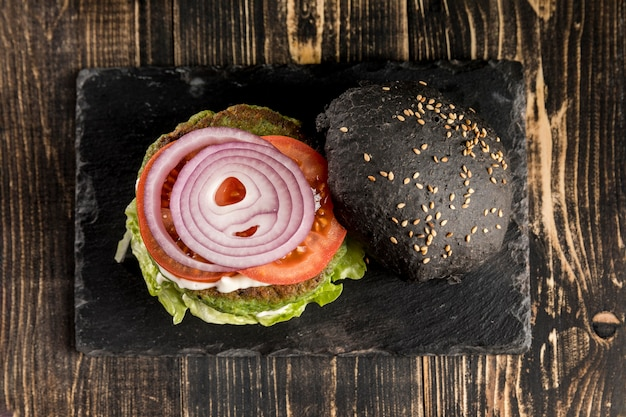 Vue de dessus délicieuse composition de hamburger