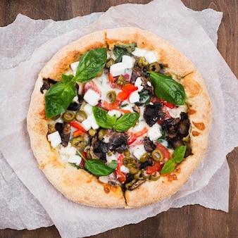 Vue de dessus délicieuse pizza au four