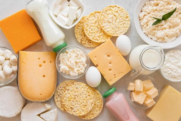Vue de dessus délicieux arrangement de fromage