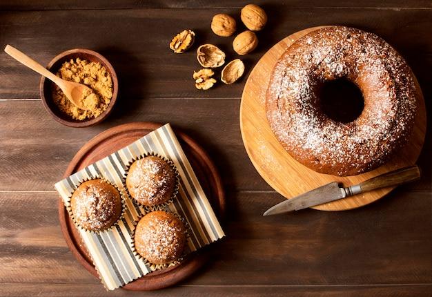 Vue de dessus de délicieux beignets aux noix