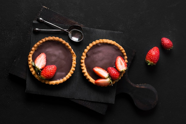 Vue de dessus délicieux dessert prêt à être servi