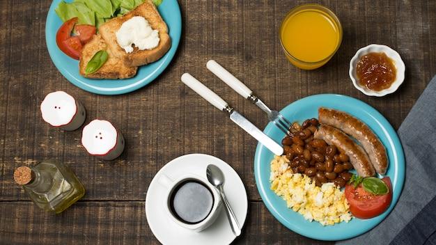 Vue de dessus délicieux petit déjeuner
