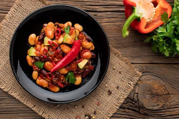Vue de dessus de délicieux plats mexicains prêts à être servis