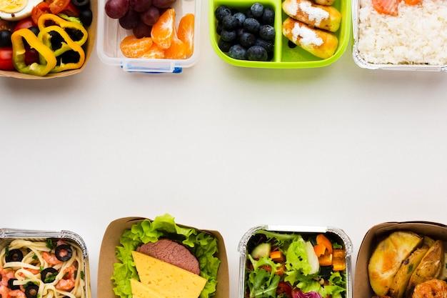 Vue de dessus différents repas avec espace copie