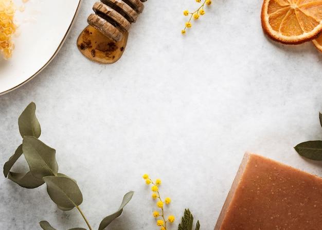 Vue de dessus de la disposition des ingrédients du savon