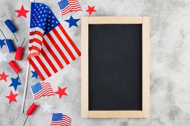 Vue de dessus du cadre et des attributs américains