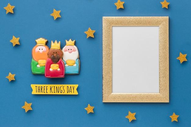 Vue de dessus du cadre avec des étoiles et trois rois pour le jour de l'épiphanie