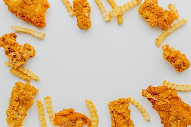 Vue de dessus du cadre fish and chips avec espace copie