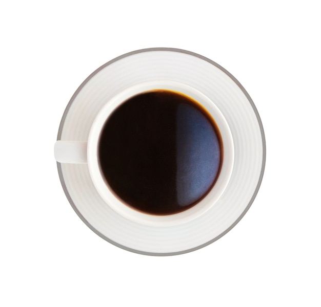 Vue de dessus du café dans une tasse blanche sur soucoupe.